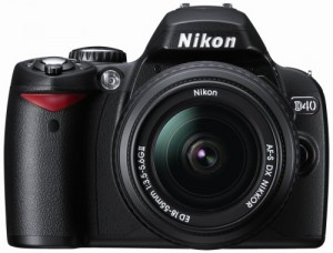 Nikon D40 6.1MP Digital SLR Camera Kit with 18-55mm f/3.5-5.6G ED II AF-S DX Zoom-Nikkor Lens